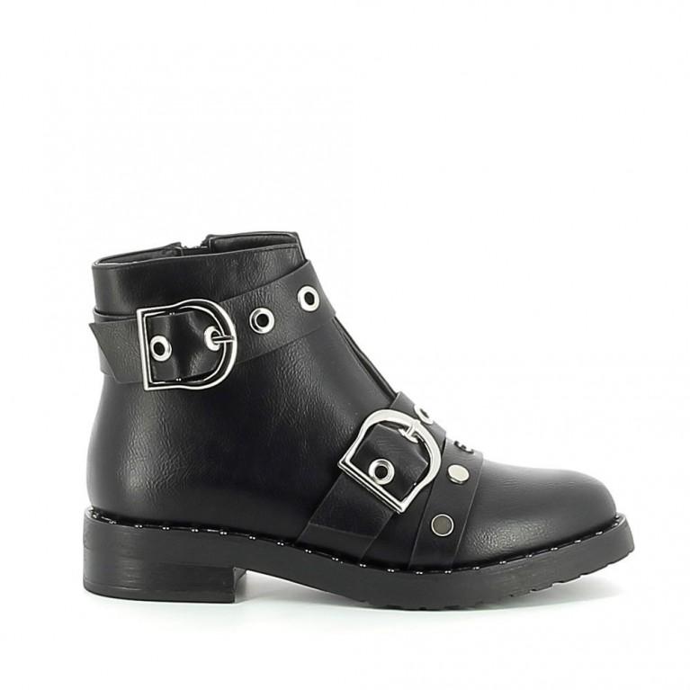 Low-boots cloutées